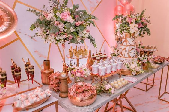 Decoración mesas de postres quinceañera color rosa