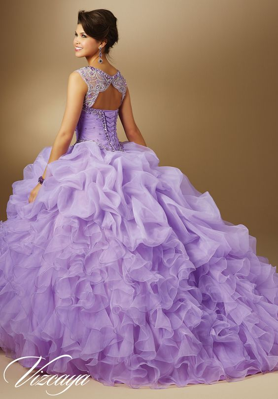 Vestidos de 15 anos de color morado 40 ideas para for Decoracion xv anos 2016