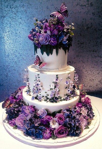 Ideas de pasteles para quinceañeras en color morado