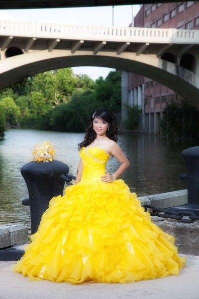 ideas-de-vestido-para-quinceaneras-color-amarillo-22 ...