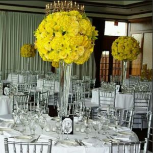 Centros de mesa para quince años color amarillo