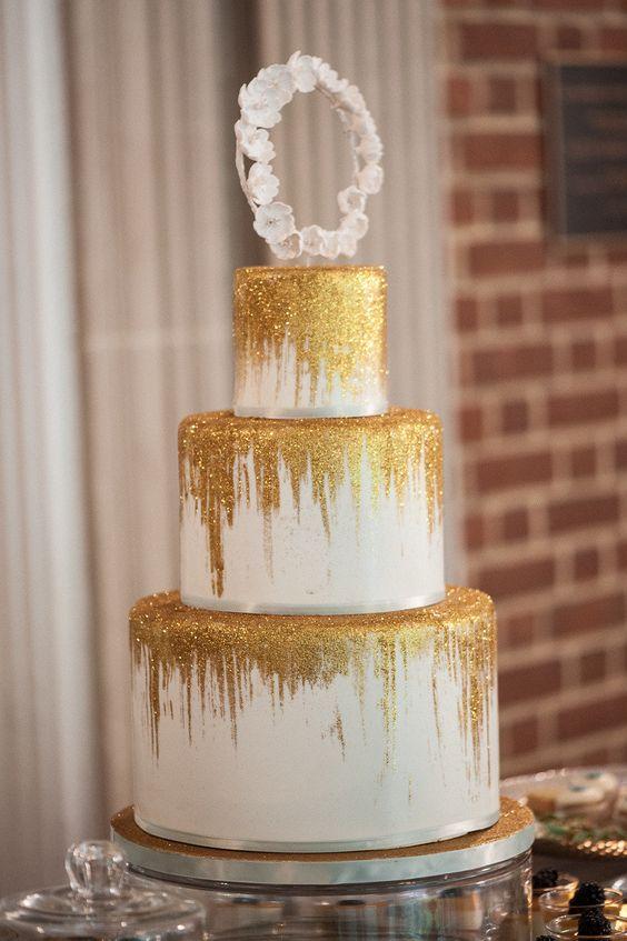 Ideas de pastel para quinceañeras dorados