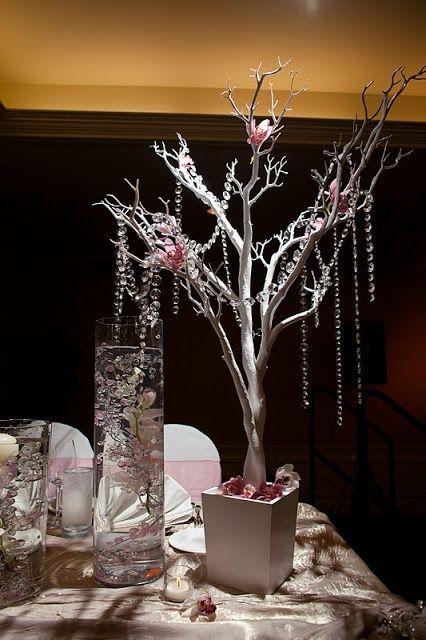 Centros de mesa plateados para xv anos 11 ideas para - Cristales de colores para mesas ...