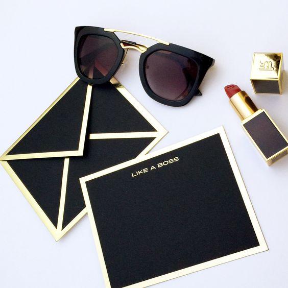 Invitaciones en color negro para XV años
