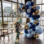 Mesas principales para xv años decoradas con globos