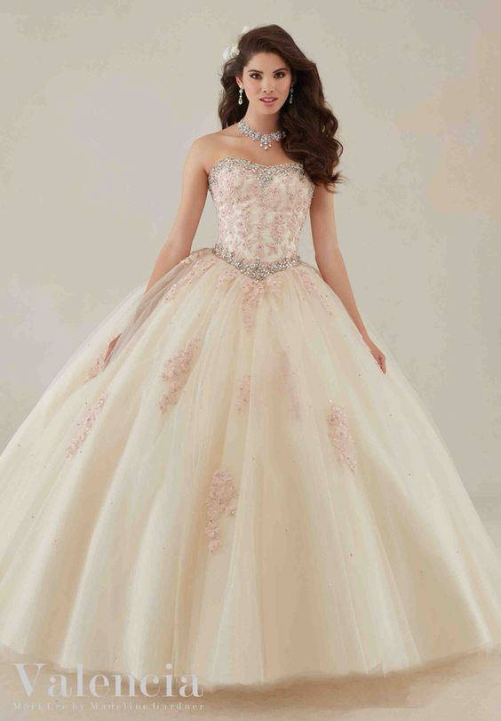539419b39d disenos-vestidos-xv-anos-encaje (8) - Ideas para Fiestas de ...