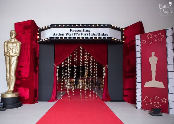 Fiesta xv anos inspirada tema hollywood 15 ideas para for Decoracion xv anos 2017