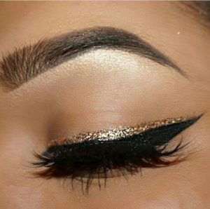 maquillaje-ojos-glitter-quinceaneras (1)