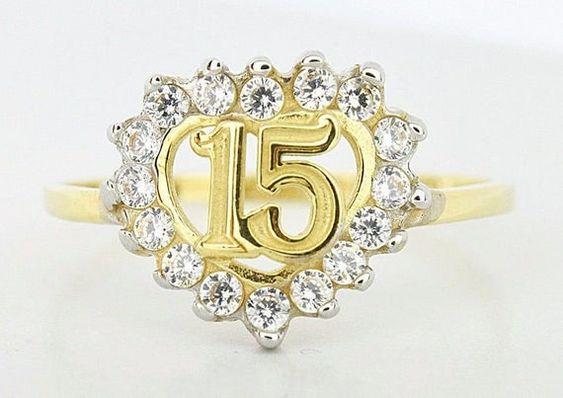 Pulseras y anillos para quinceañeras