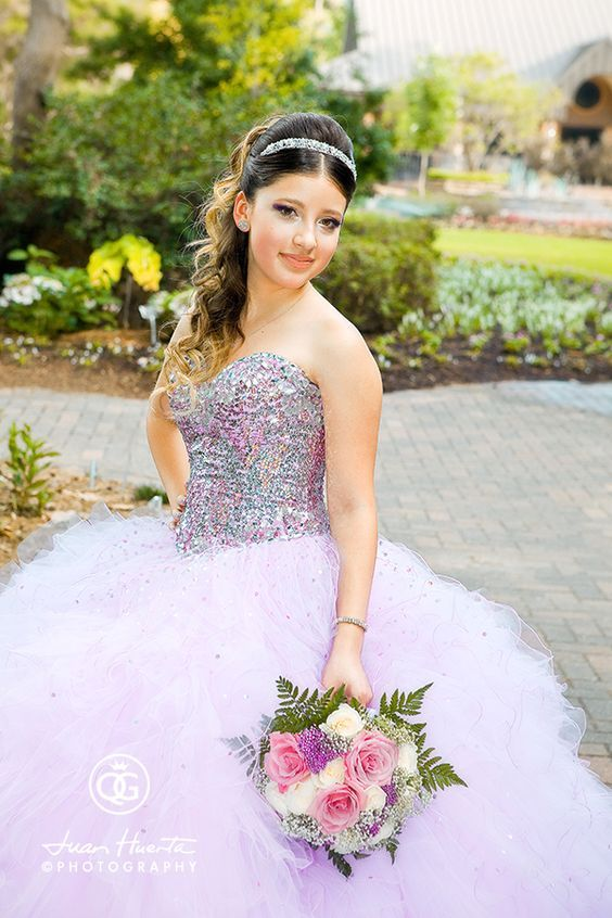 Quinceanera hairstyles 2018 2019 for Ideas para quinceaneras