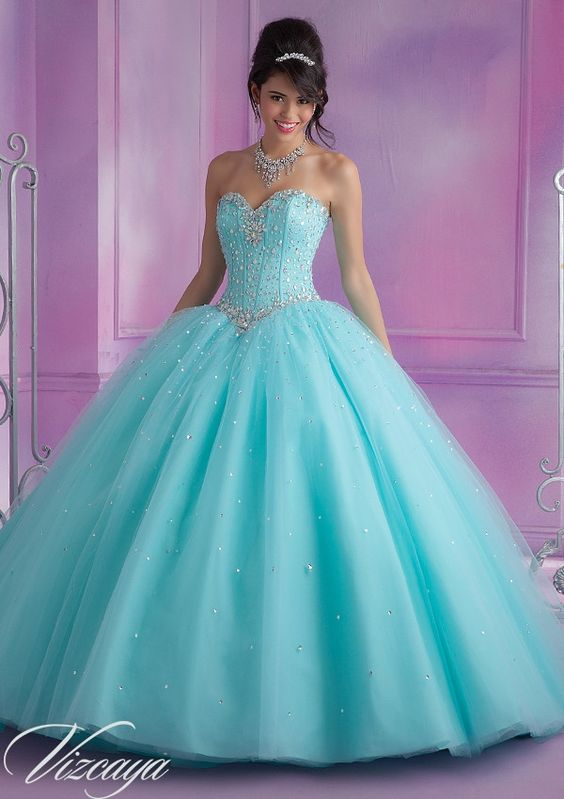a47dea928 Vestidos de XV años color aqua | 33 diseños modernos