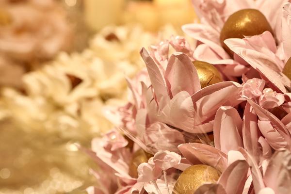 Decoración en Rosa, Dorado y Beige para tus XV años