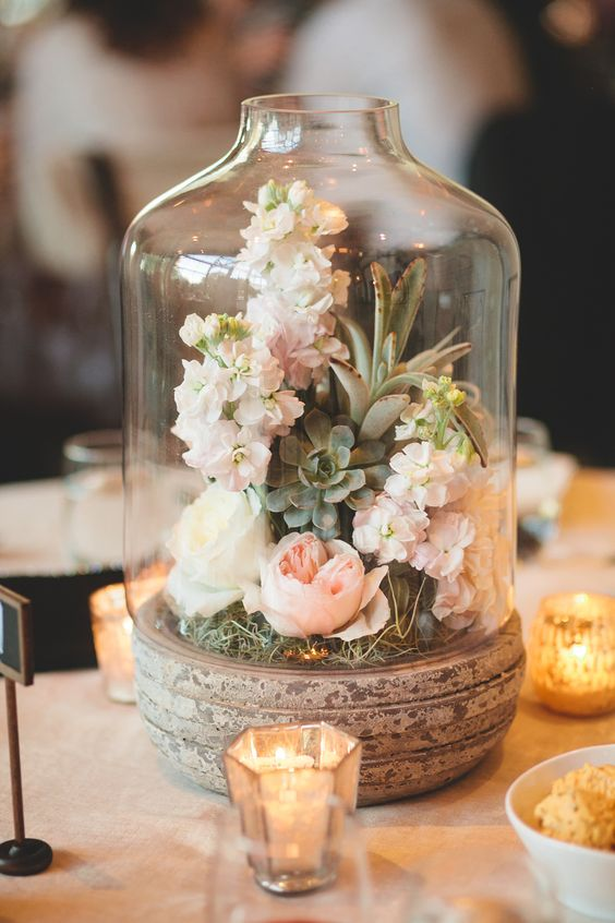Little Miss Vintage is a boutique vintage wedding and event decor hire and styling company, based in Perth Western Australia. We specialise in vintage, rustic, boho and one off hire pieces to complement weddings and events across Perth.