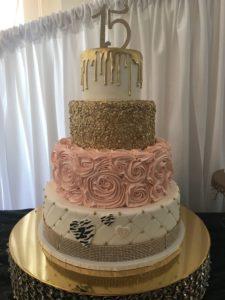 Disenos modernos de pasteles para 15