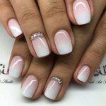 Diseños de uñas irresistibles para quinceañeras