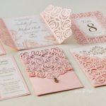 Diseños variados de invitaciones modernas para 15 años