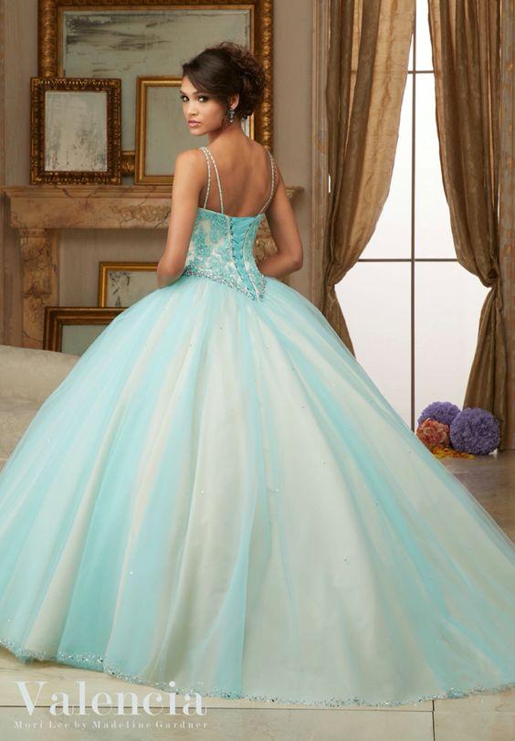 Preciosos vestidos de 15 años color aqua