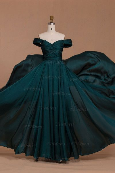 f8b9bb5de 8 Vestidos de 15 años en Verde Esmeralda que Amarás!¡8 Vestidos de ...