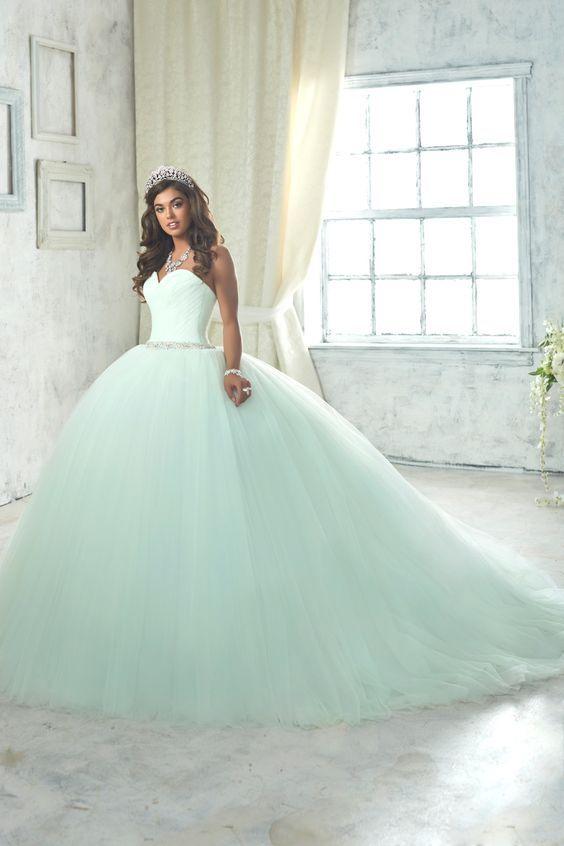Los mejores estilos de vestidos de xv años 2017 - 2018