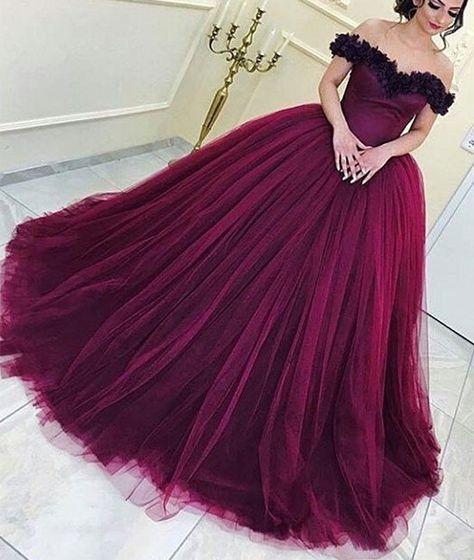 color ciruela para decorar una fiesta de 15 anos durante el 2018 - 2019