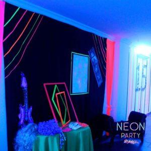 decoracion de la entrada para fiesta neon de 15 anos hombre (2)