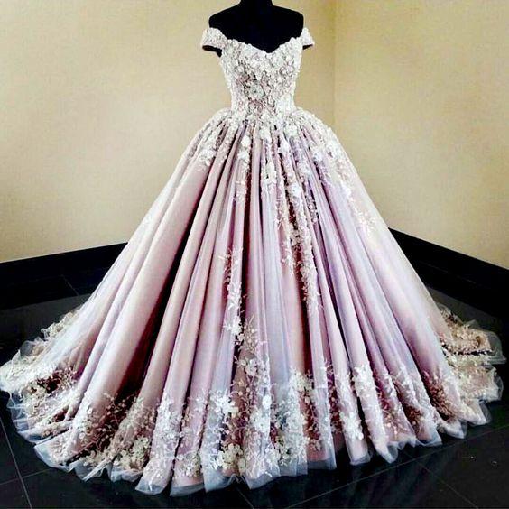 Como decorar un local de vestidos de fiesta