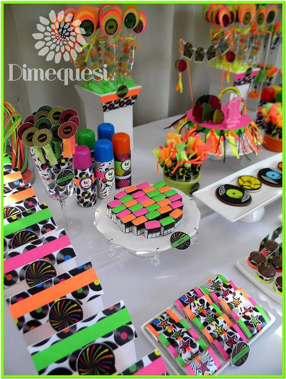 mesa postres fiesta neon 15 anos hombre (2)