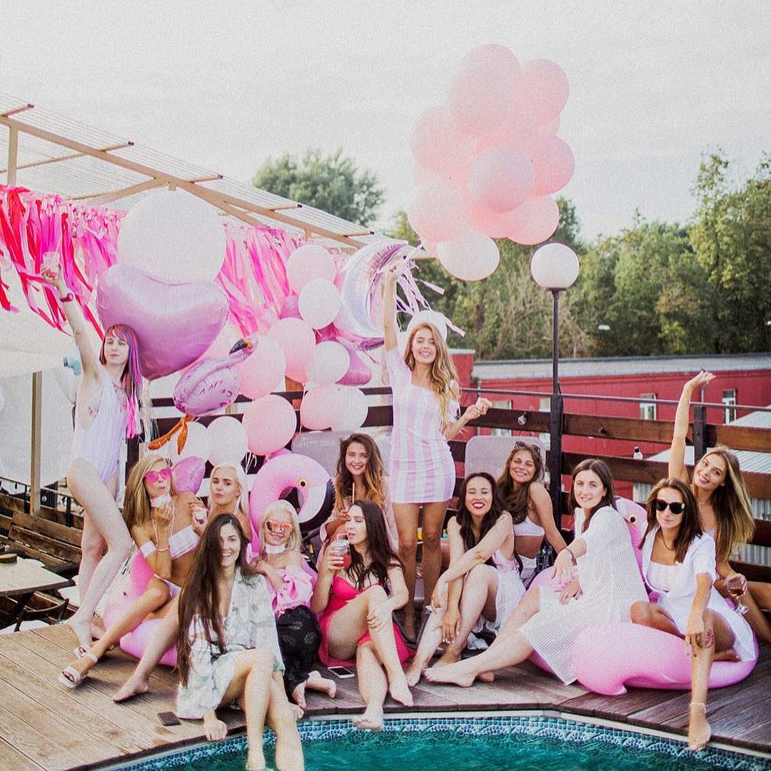 pool party para cumple de 16 anos