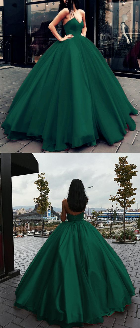 Vestido verde piel morena