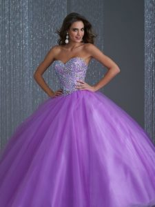 vestido de xv anos para piel morena en color violeta (7)