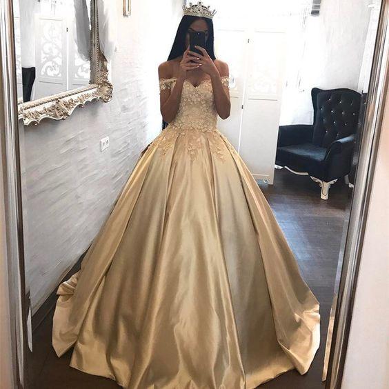 Imagenes de vestidos de xv años dorados