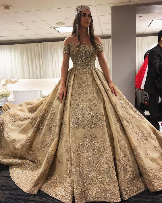 imagenes de vestidos de xv anos dorados (5)