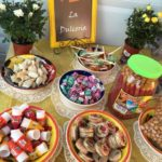 Mesas de dulces con caramelos