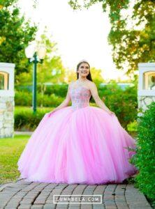Vestidos de 15 años color rosa Tendencias 2019 - 2020
