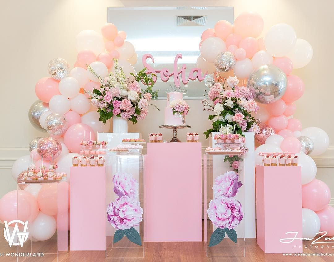 Decoracion guirnaldas con globos color plata 2019 3 ideas para fiestas de quincea era - Decoraciones en color plata ...