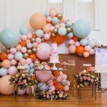 guirnalda de globos sin estructura para 15 años tropical