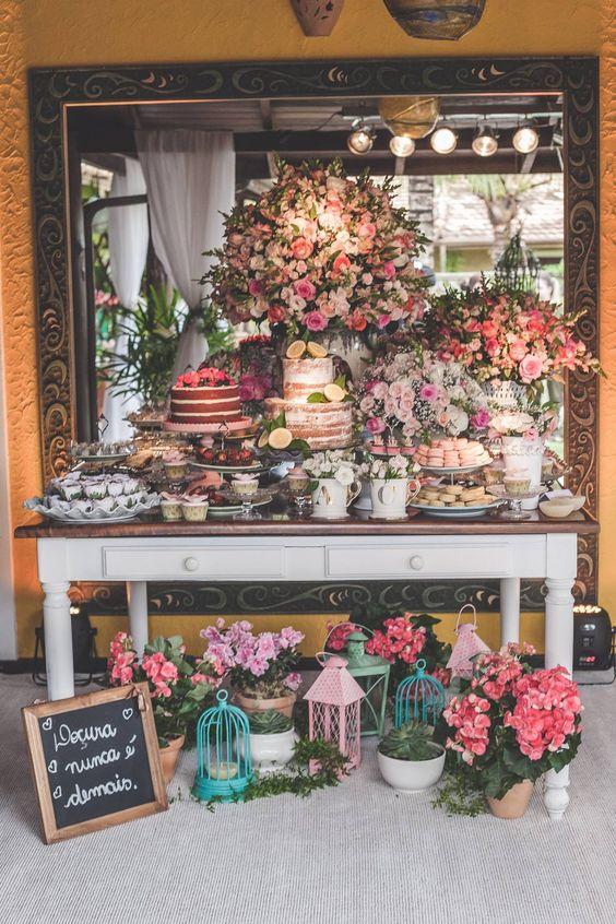 Mesas de dulces para xv años vintage