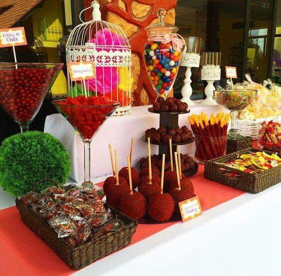 mesa de dulces enchilosa para fiesta de quince años