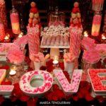 mesa de dulces color coral