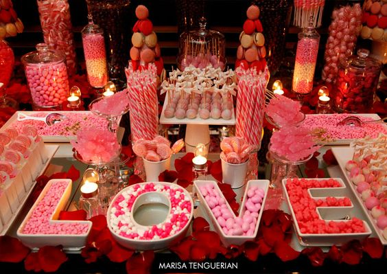 mesa de dulces rosa coral