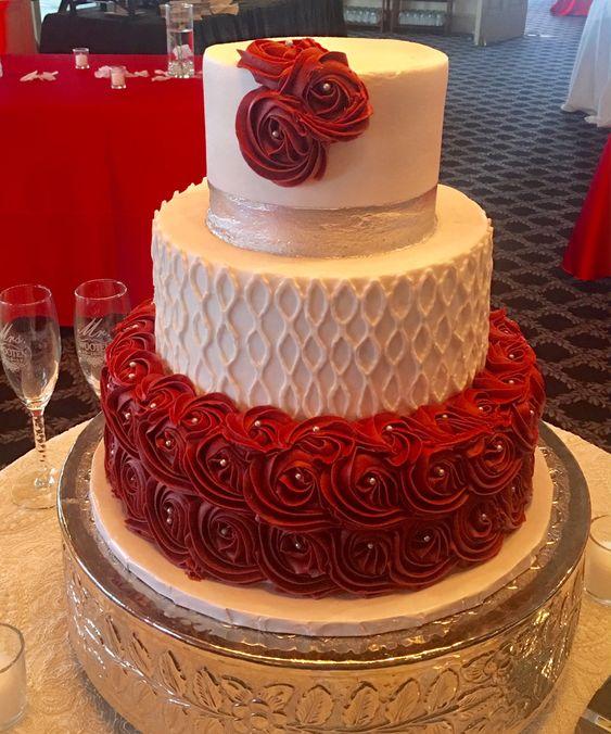 pastel de xv años en rojo