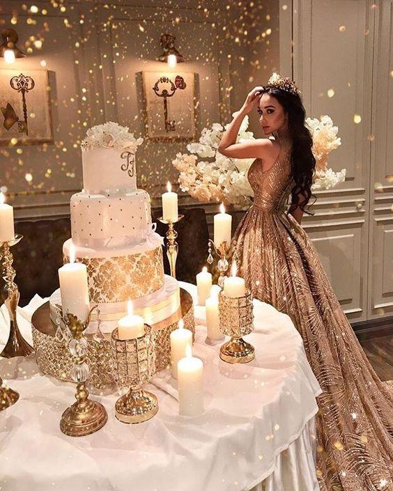 pasteles de quince dorados