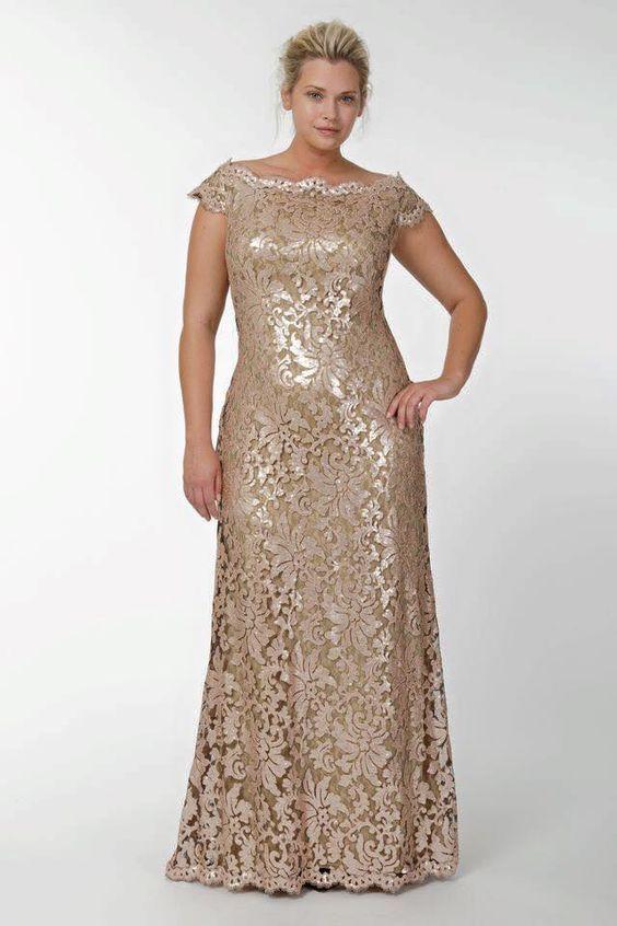 vestidos para madrinas de 15 años gordtias en dorado