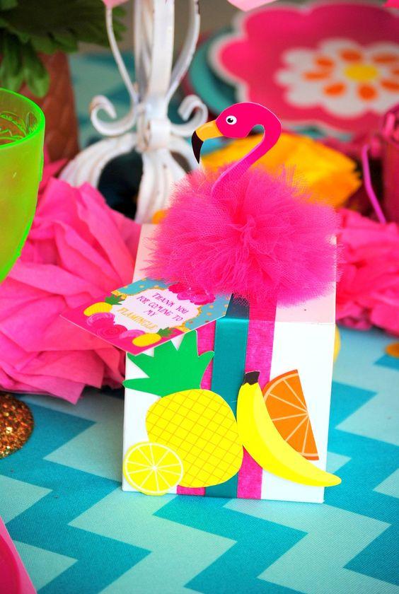 Decoración para quinceañera temática de flamingo