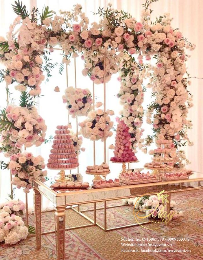 Mesa de dulces para quince años floral