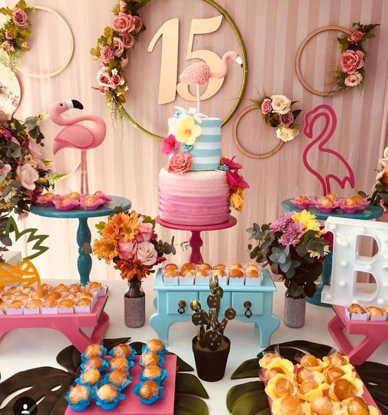 quinceañera temática de flamingo