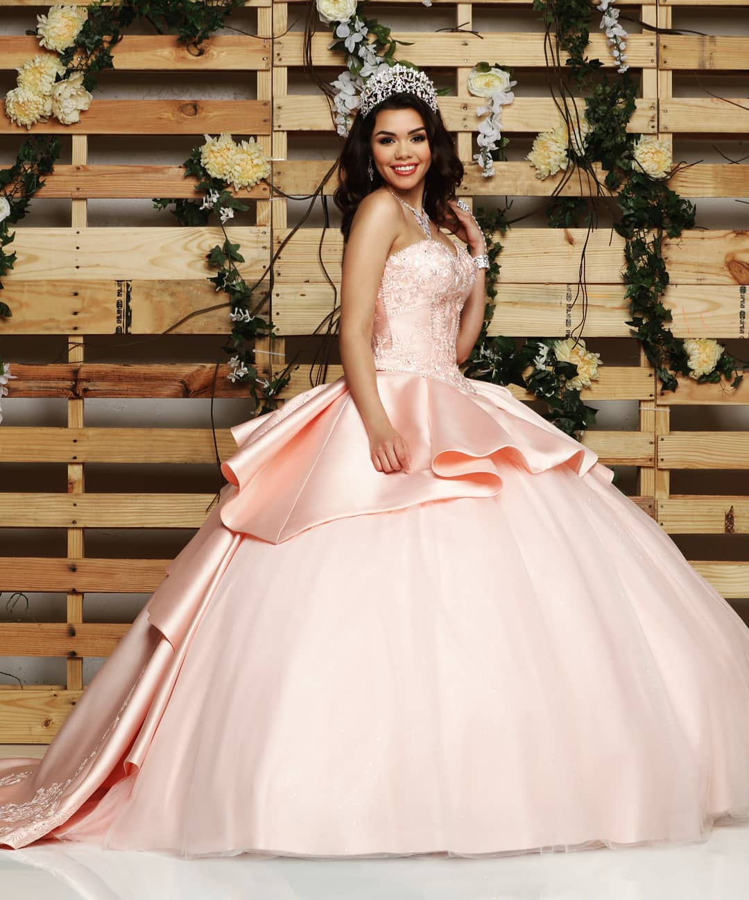 7eadd9381 La nueva colección de vestidos de quinceañera 2019 - 2020