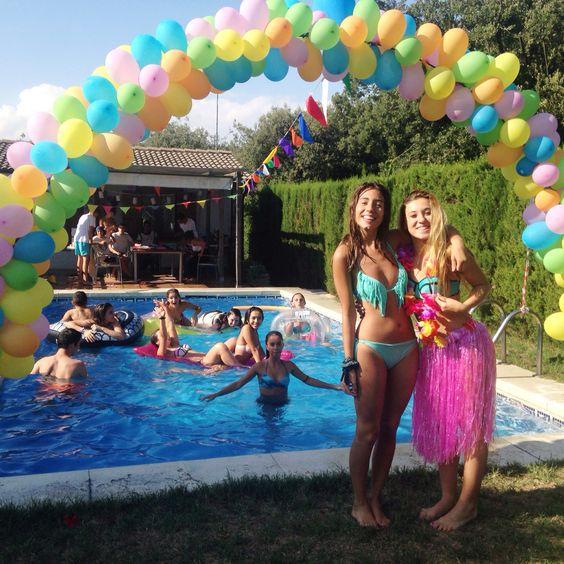 Fiesta en alberca para cumpleaños número 15