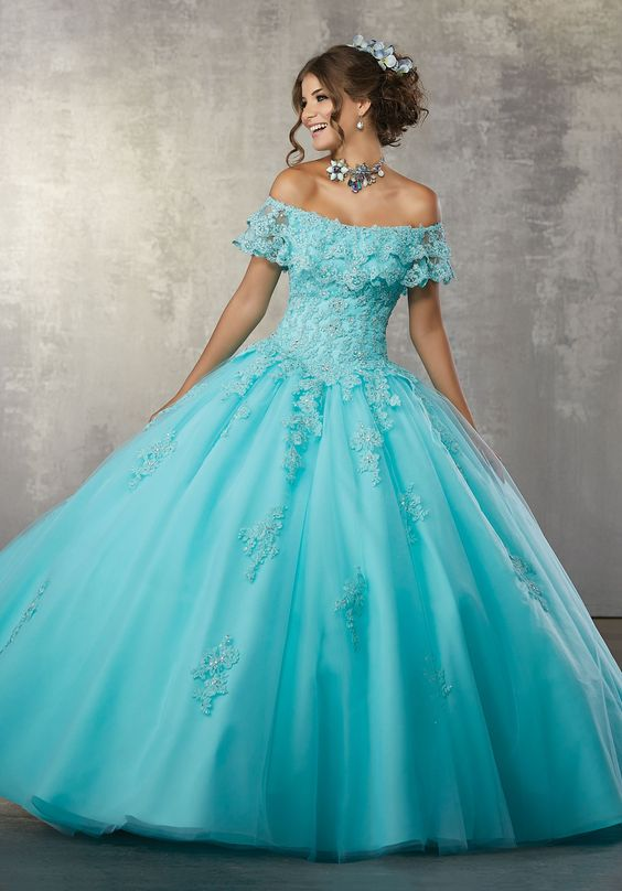vestido de XV años con encaje