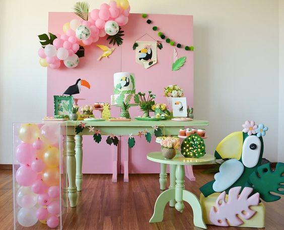 Fiesta tropical en tonos pastel